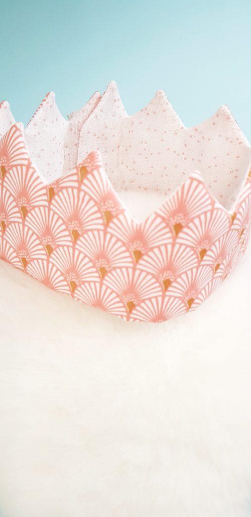 couronne enfant palmier rose detail