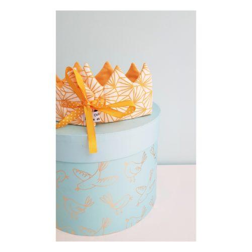 couronne bébé jaune origami zoom